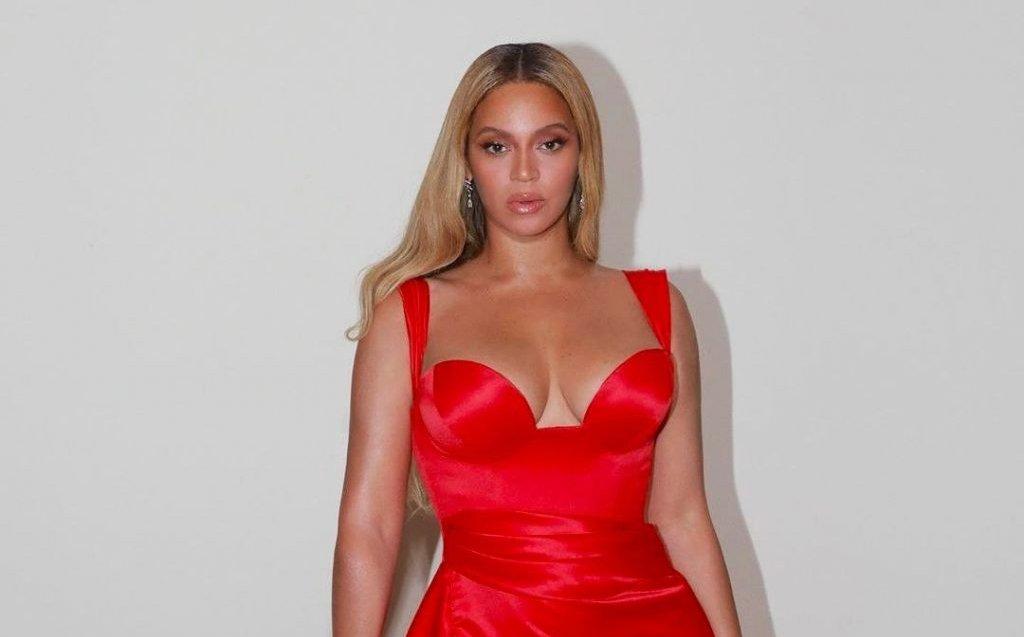 Beyoncé recibe Galardón Humanitario en los Premios BET