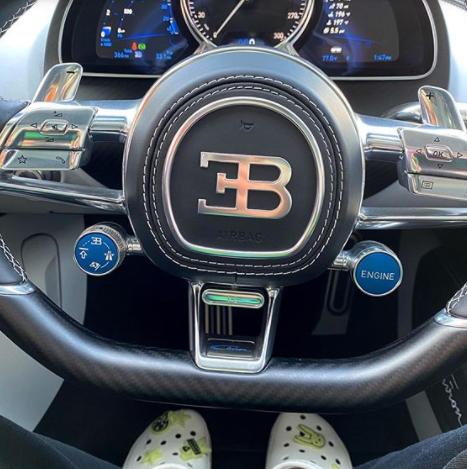 Bad Bonny se compra un Bugatti
